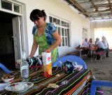 Vers Boukhara: restaurant dans le désert  (surnommé Bagdad  Café)