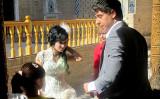 Une tradition pour les mariés:boire au puit consacré