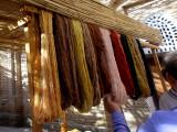 Fils de soie pour tissage de tapis