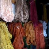Écheveaux de soie pour tissage de tapis