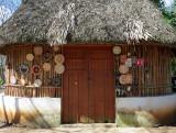Maison typique maya et artisanat