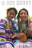 Little Flor de Piña dancers