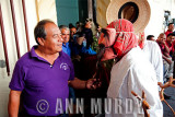 The Mayor de Vara speaking with the Viejo