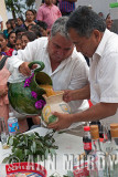 The Presidente and Sindico pouring the tepache