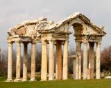 Temple ruin Aphrodisias.jpg
