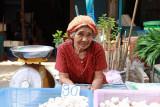 Garlic lady.jpg