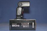 Meike MK910 Flash