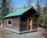 Sled dog/snow mobile shelter