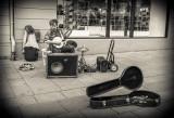 Oslo - One man band