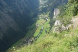 LOOKING DOWN AT THE LAUTERBRUNNEN VALLEY > IMG_3160 1280x852.jpg