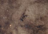 Barnard 84, une nébuleuse et un amas globulaire