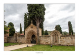 Cementerio de Navarrete, portada y ventanales del Hospital de San Juan de Acre