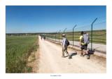 Valla del aeropuerto de Burgos, tenemos que seguirla al menos durante 2 klm.