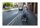 03/07/2016 · Esperant al autobus