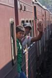 Sri-Lanka-080-Kandy-Railway-Stn.jpg