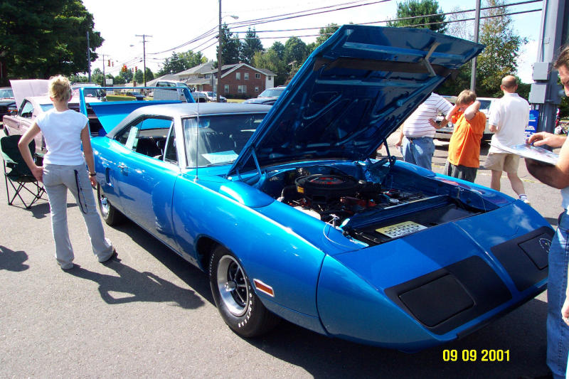 Roadrunner Superbird Blue 2.JPG