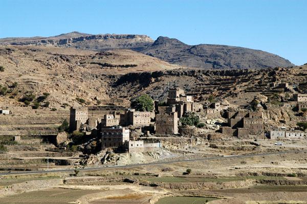 Village at the base of Jabal an Nabi Shuayb