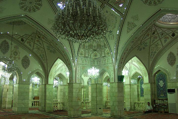 014 - Sayyida Ruqqaya mosque interior