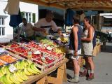 Riezlern - Walser Wochenmarkt - Banan soll man essen