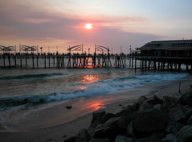 Redondo Beach Pier at near dusk