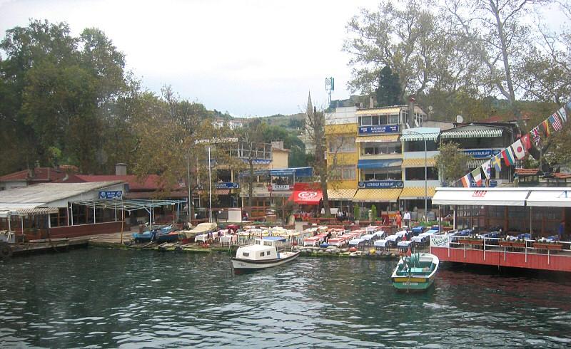 Ferry leaves Anadolu Kavagi