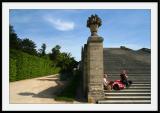 VersaillesPique-nique sur l'escalier donnant à l'orangerie