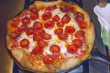 pepperoni deep-dish pizza (large)