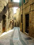 Todi: Street 4