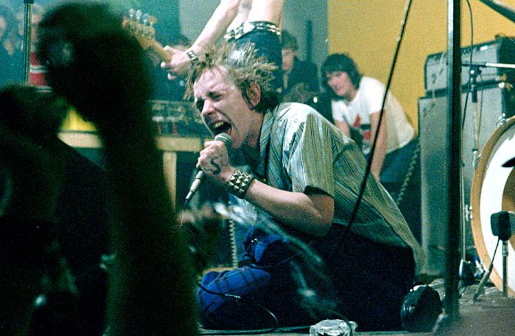 Sex Pistols, Johnny Rotten<br>1977<br>fa0074-15