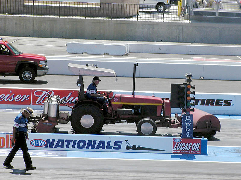 Tractor vs. foot race