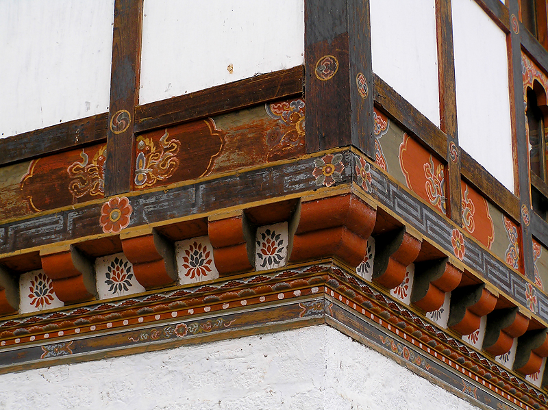 This type of decor is on all the buildings, more muted colors than Tibet