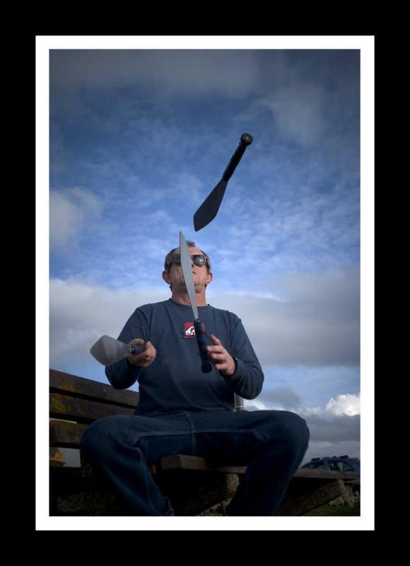 knife-juggler-1.jpg