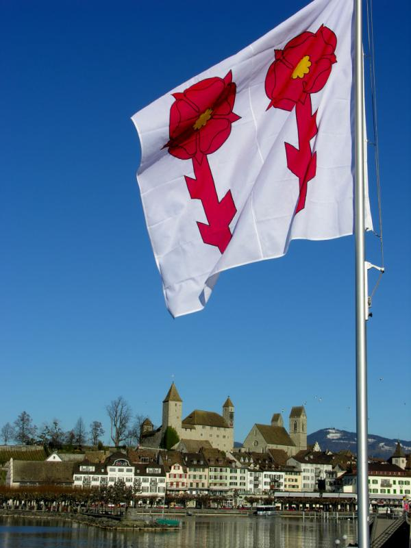 Rapperswil: flag and castle
