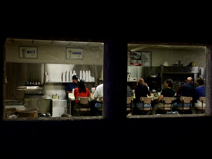 Nighthawks, Roys Cafe
