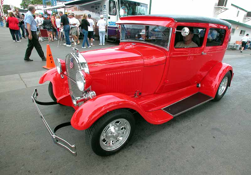 154 - 1928 Ford Model A - Cruisin for a Cure 2002