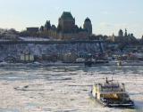La traverse de Lévis et le chateau Frontenac à Québec