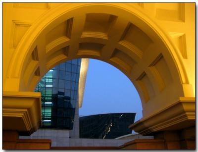 Golden arch, Bombay