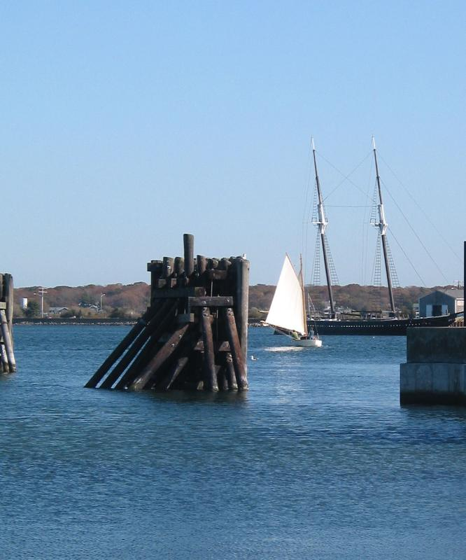 Sailboat approaching Vineyard Docks