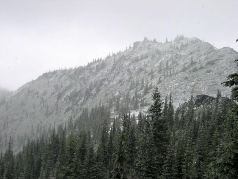 View from the trail to Corral Pass