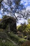 Tall stone lantern F7 IMG03081.jpg