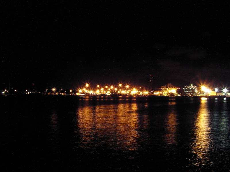 Honolulu Harbor lights