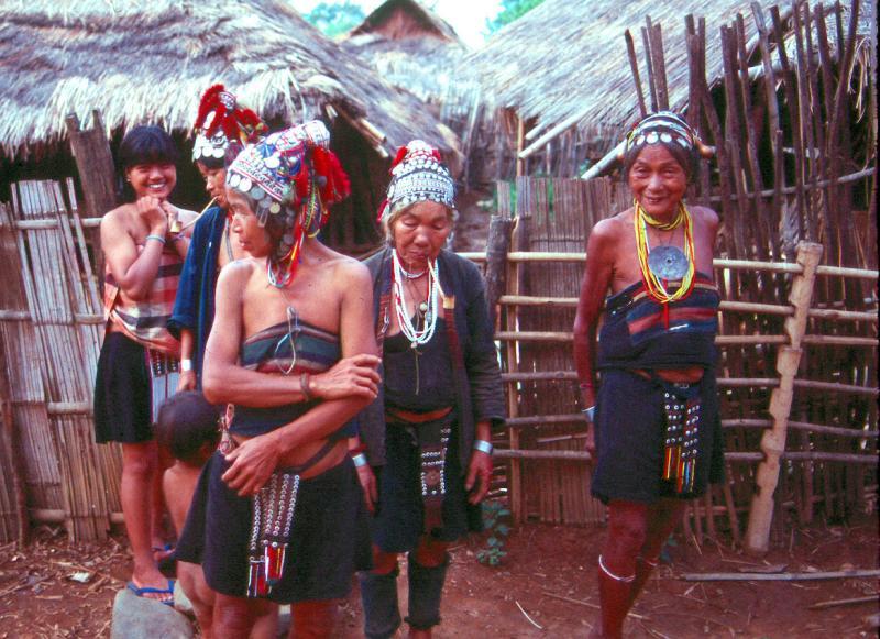 N-Mountain-Tribeswomen-83.jpg