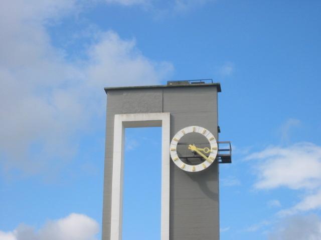 clock rail way station