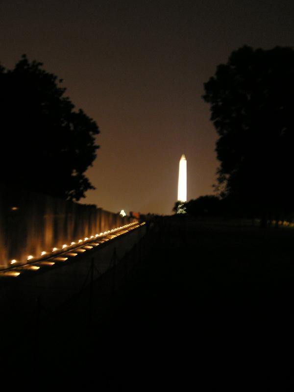DC - Washington Monument viewed from Vietnam Memorial