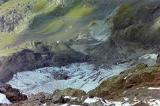 Gros plan sur les restes du glacier de la Munia
