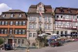 Marktplatz (Linkes Haus beherbegt die Touristen Information)