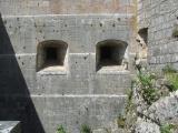 Meurtrières, chateau de Joux