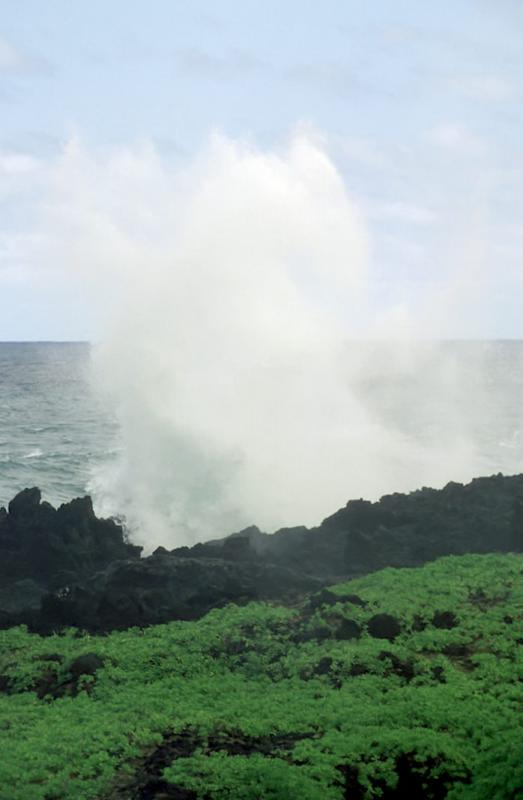 2-06 Waianapanapa and Waves