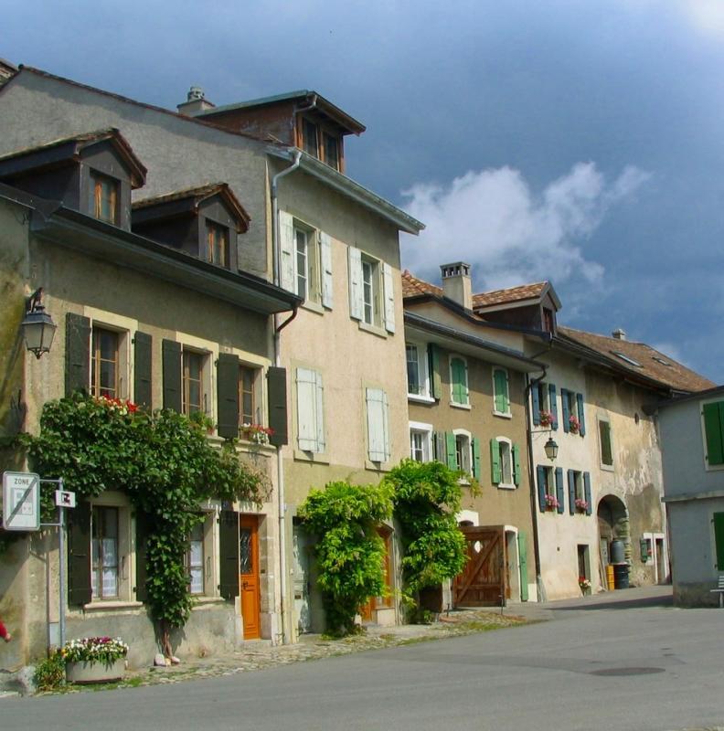 village Vaudois , St-Prex