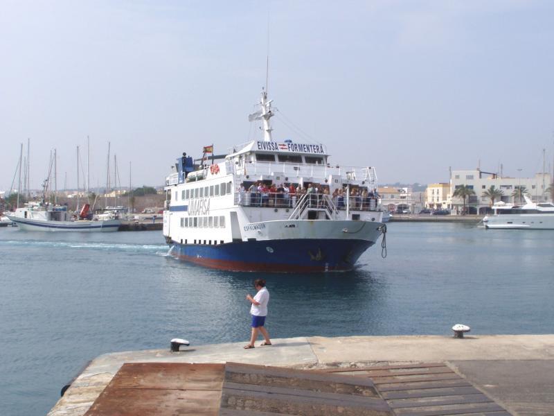 Ferry Espalmador arrives La Savina